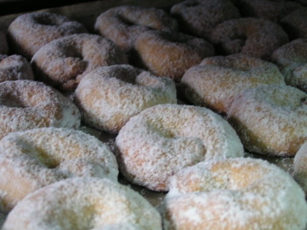 Roscos de vino are just one of the typical holiday sweets in Malaga that locals love!