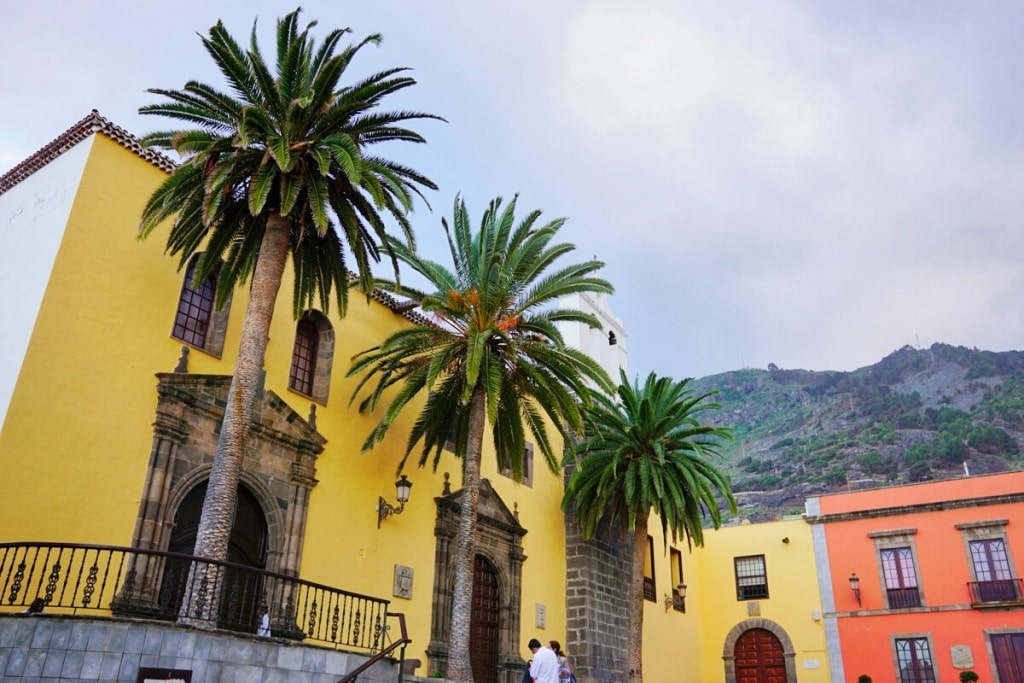 The San Roque boutique hotel in Tenerife is near many beautiful sights, like the charming town square!