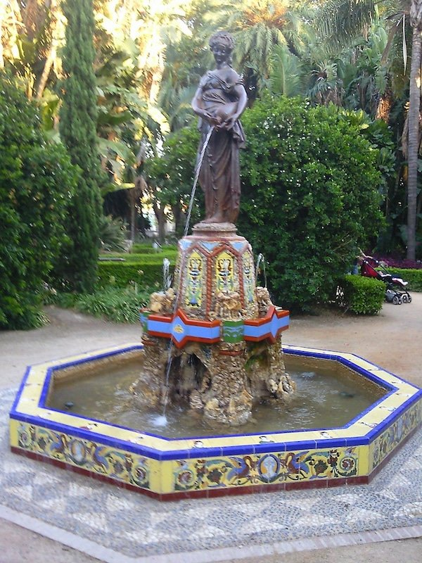 A walk through the park is just one of the fun things to do in Malaga for cruisers!