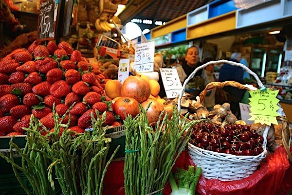 Wondering how to eat like a local in Malaga? You can't miss visiting the Atarazanas Market.