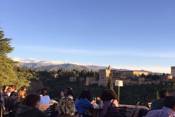 El Huerto de Juan Ranas is one of the top rooftop bars in Granada for Alhambra views.