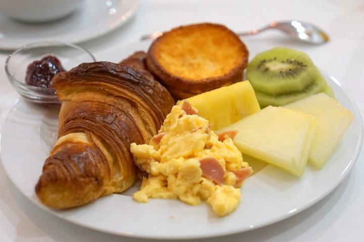 Breakfast at Hotel Teatrisso La Rioja boutique hotels