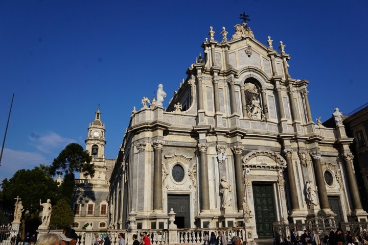 The incredible Piazza Duomo in Catania