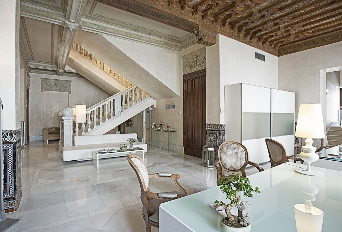If elegance and luxury are top priority when choosing where to stay in Granada, this hotel with its luxurious marble interior is for you!