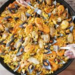 Wondering where to eat in Valencia? If you're craving paella, try a traditional Valencian restaurant and avoid the tourist traps.