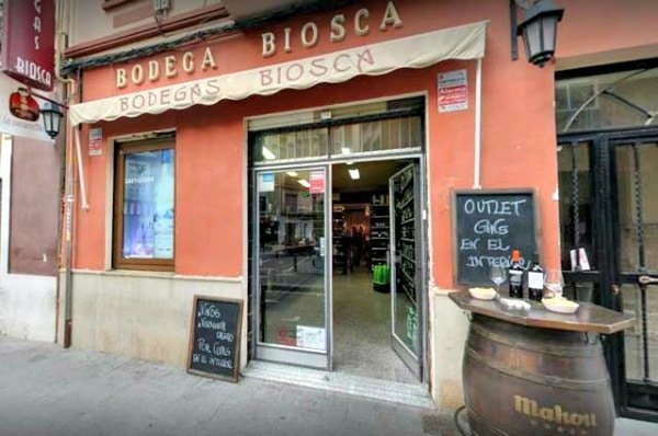 Bodegas Biosca is one of the most beloved wine bars in Valencia and has been open for more than 80 years!