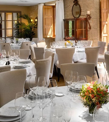 This is a great romantic restaurant in Santiago if you want to get away from it all! Get out of the city and relax in luxurious surroundings!