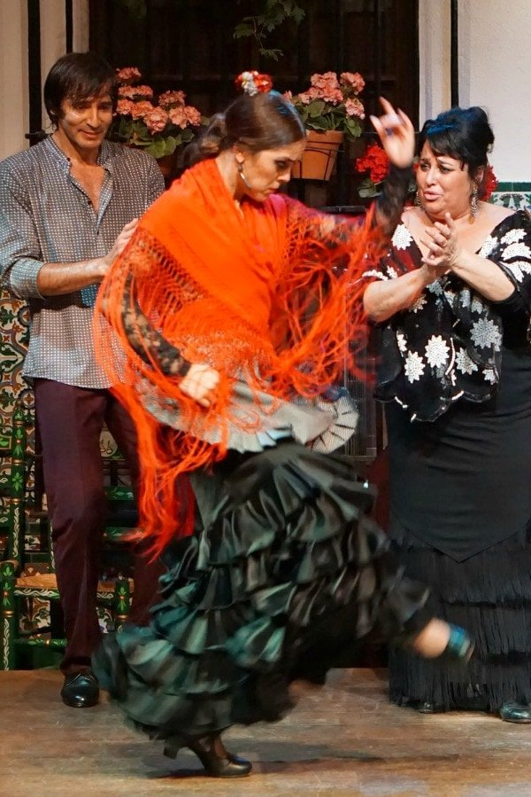 There are lots of great places to see flamenco in Malaga! One of the best is El Jardín Restaurante.