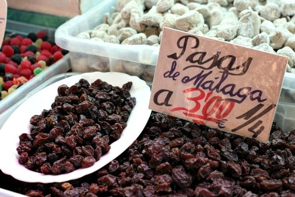 Bring home delicious gourmet food gifts from Malaga such as the region's delicious raisins.