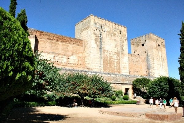 Visit the free parts of the Alhambra as one of the most relaxing things to do in Granada on Sunday!