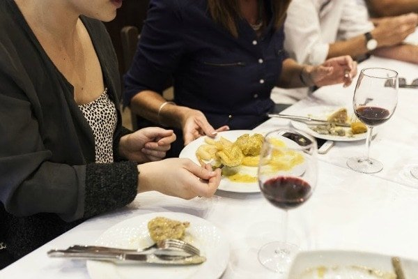 Learn how to eat like a local in Granada by knowing the difference between tapas and raciones!