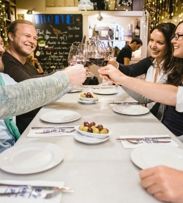 A food tour is a perfect addition to your trip to Valencia in December!