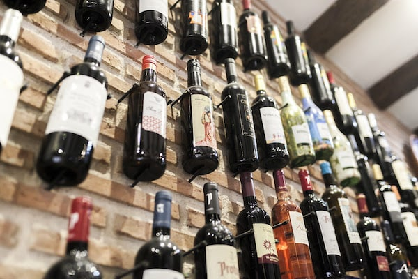 Experience one of the best wine tastings in Valencia at Enocata!