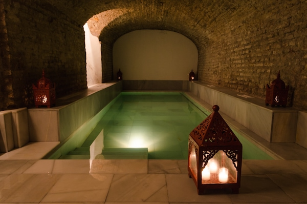 One of the most indulgent things to do in Granada when it's raining is to head to the hammam for a relaxing spa day!