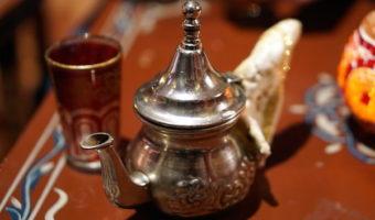 In Granada when it's raining, warm up with some Arabic tea!