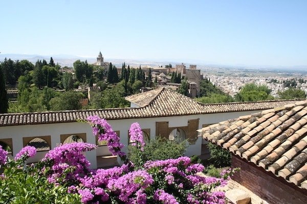 When to visit the Alhambra: springtime, without a doubt!