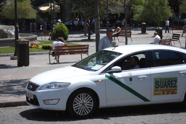 Taxis are a common form of public transportation in Granada.