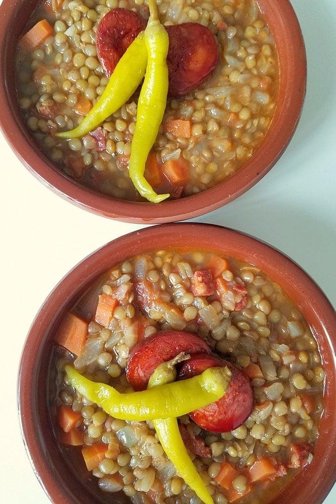 Lentejas con chorizo recipe - simple Spanish lentil soup