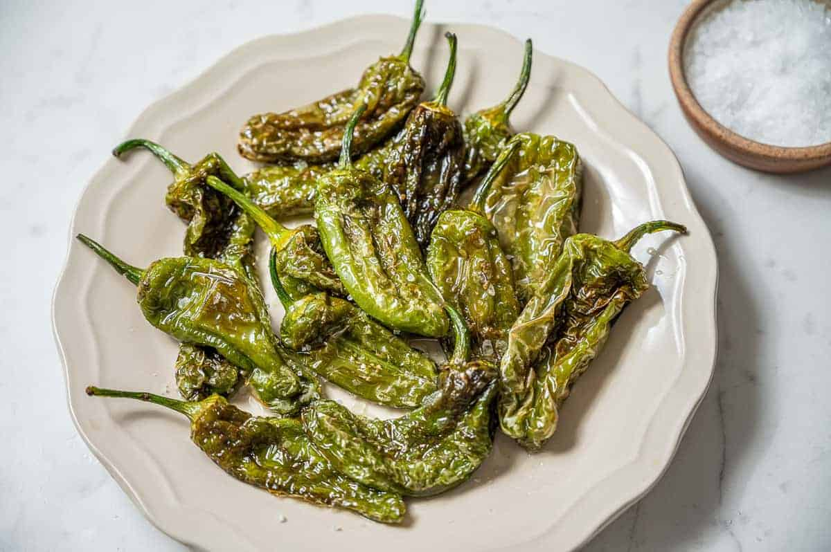 Best Padron Peppers Recipe – How to Cook Pimientos de Padron