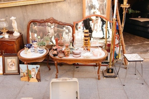 Strolling through the Cortijo de Torres flea market is one of our favorite activities in Malaga on Sundays!
