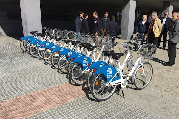 One of the most convenient options for renting bikes in Malaga is the city's official Malaga Bici service!