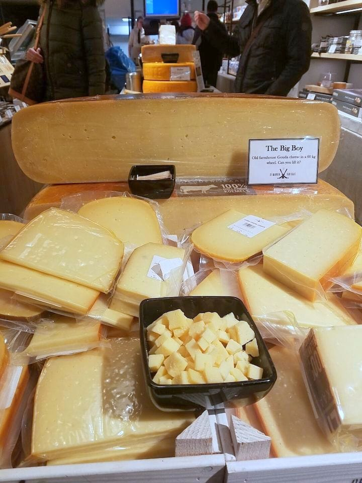 must try foods in Amsterdam - cheese