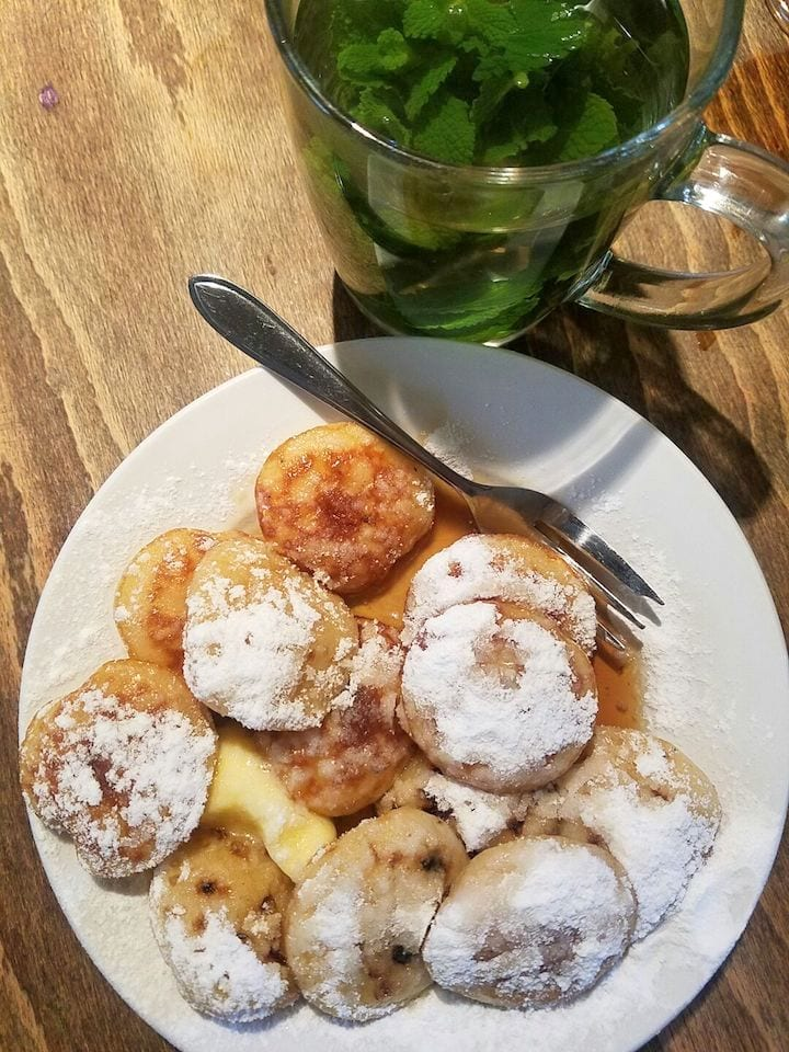 must try foods in Amsterdam - pancakes