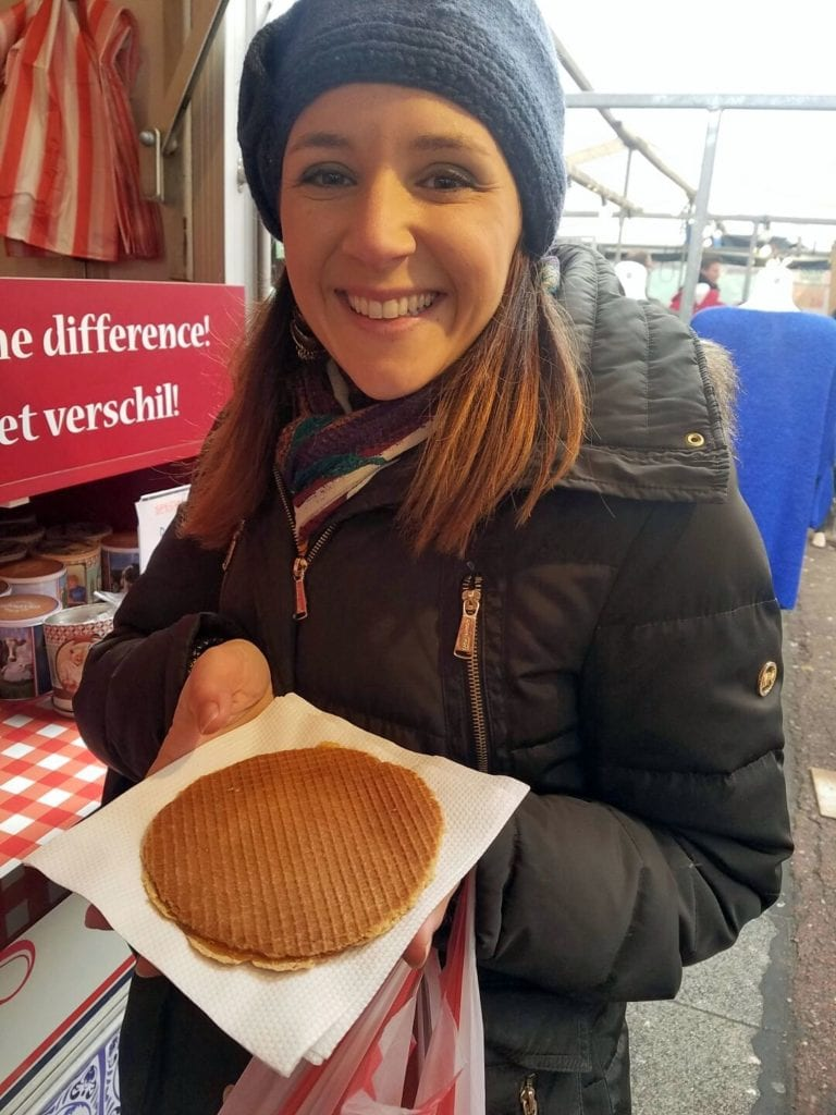 must try foods in Amsterdam - stroopwafel