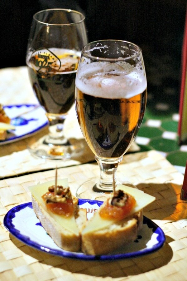 There are dozens of great places to drink craft beer in Malaga. Many also serve delicious tapas!
