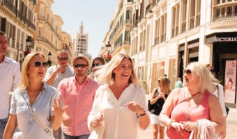 If you're not sure what to pack for Granada in summer, lightweight clothes and sunglasses are key!