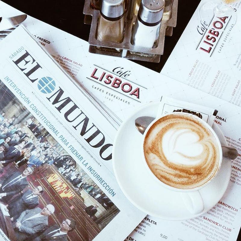 One of the best cafes in Granada is a fixture on Calle Reyes Católicos: Cafetería Lisboa!