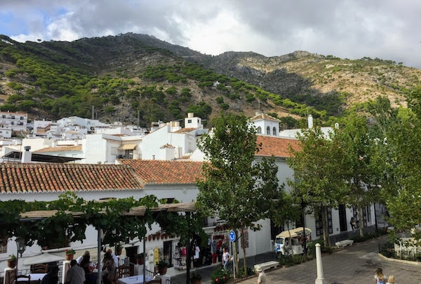 10 days in Malaga allow you plenty of time to explore the region. One of the best nearby towns is the beautiful village of Mijas!
