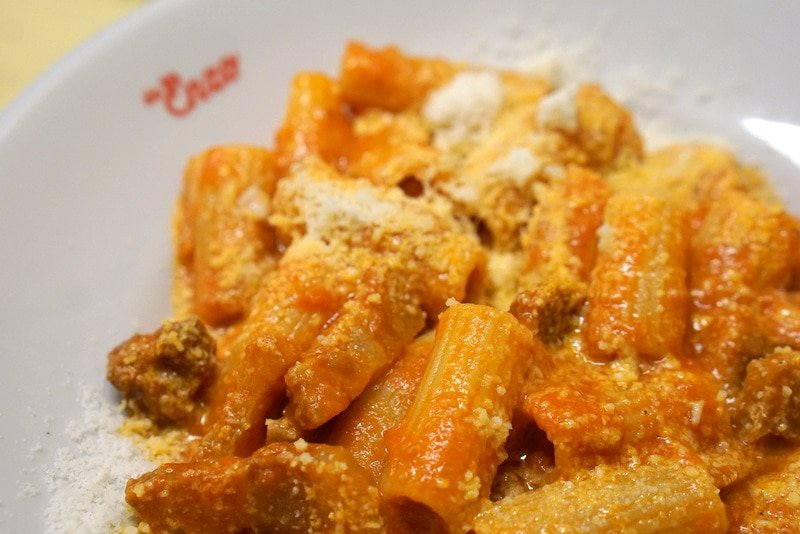 Must try foods in Rome - amatriciana