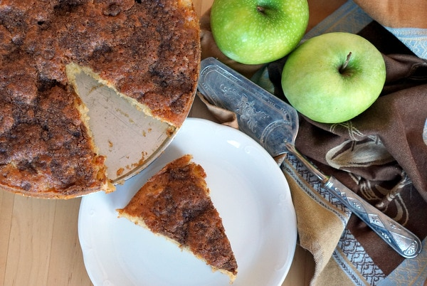 Apple Olive Oil Cake Recipe from Spain.