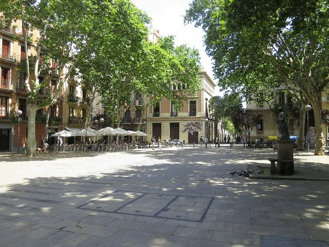 Gracia neighborhood guide - a plaza in Gracia