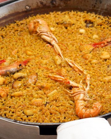 Things to try in Valencia - Paella in Valencia at Casa Carmela