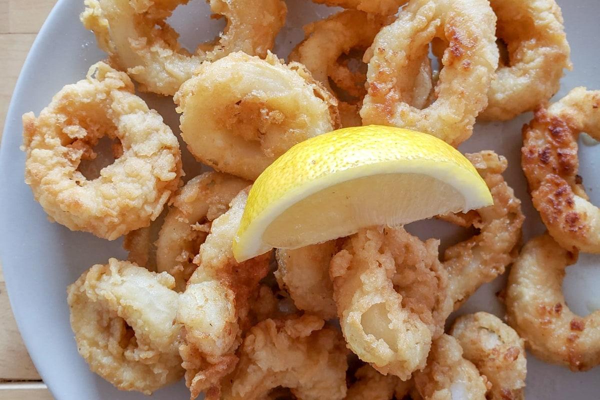 Easy Calamares Fritos Recipe (Spanish Fried Calamari)